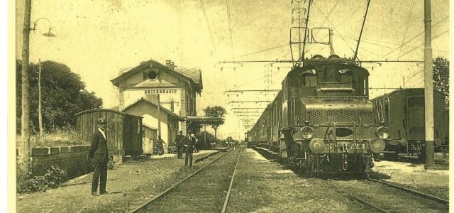 Suggestiva immagine della E550-071 a Bricherasio (TO) all'epoca del Trifase